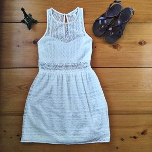 Forever 21 Sleeveless Lace Dress Off White